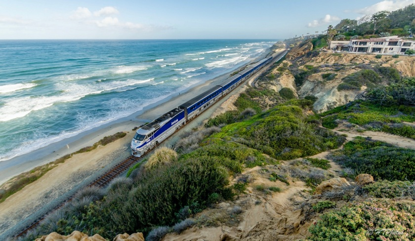 pacific-surfliner-along-the-san-diego-county-coast